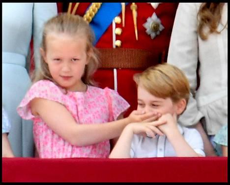 Savannah Phillips yritti hiljentää prinssi Georgen.