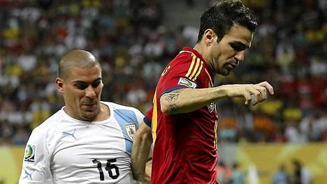 Cesc Fabregas (oik.) ei ole Gerardo Martinon mukaan myytävänä.