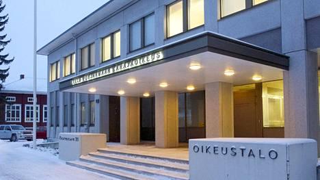Etelä-Pohjanmaan käräjäoikeus langetti raiskaustuomioita.