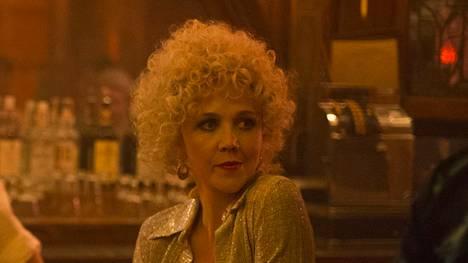 Maggie Gyllenhaal näyttelee prostoituoitua, joka päätyy mukaan pornobisnekseen.