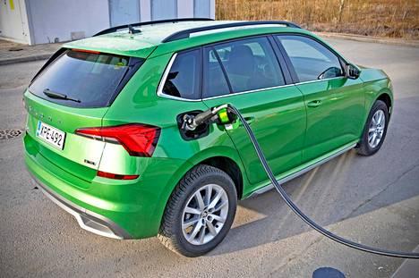 Kaasun tankkaus sujuu parissa minuutissa, mutta asemaverkosto on harva osassa Suomea. Kamiqin bensiinitankki on 9-litrainen.