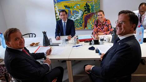 Ruotsin pääministeri Stefan Löfven (vas.), Itävallan liittokansleri Sebastian Kurz, Tanskan pääministeri Mette Fredriksen ja Hollannin pääministeri Mark Rutte muodostavat niin sanotun nuukan nelikon elpymispakettineuvotteluissa.