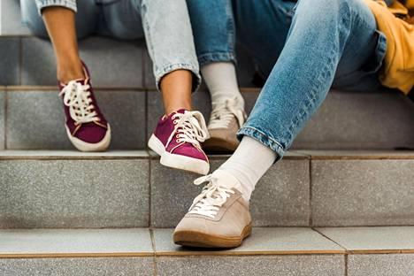 Farkuista on tullut vaivihkaa koko kansan suosima arkivaate, jotka jalassa voi mennä minne vain.