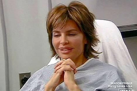 Lisa Rinna sairaalapedillä. Seuraavat kuvat ovat hurjempia - katsele varovasti!