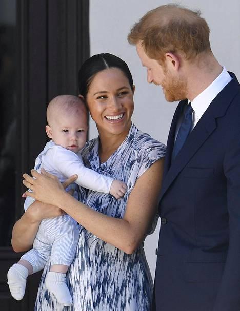 Pieni Archie, Meghan ja Harry edustivat viime viikolla Cape Townissa.