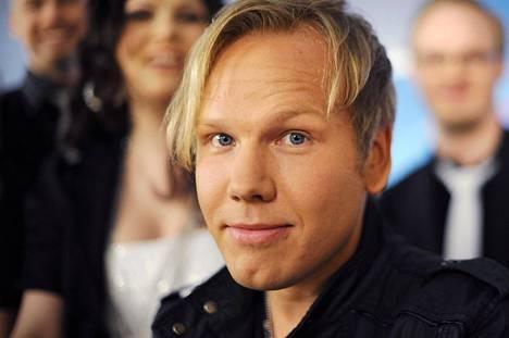 Viulunsa kadottanut Osmo Ikonen selvisi onnekseen säikähdyksellä.