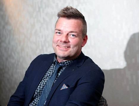 Jari Sillanpää täyttää ensi vuonna 50 vuotta. - Tunnen oloni edelleen pikkupojaksi, hän sanoo.