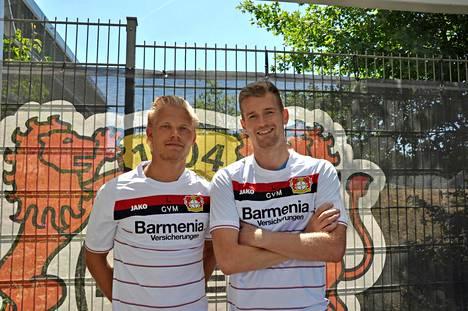 Hradecky (oik.) siirtyi täksi kaudeksi Leverkuseniin, jossa pelaa myös toinen suomalainen, Joel Pohjanpalo.