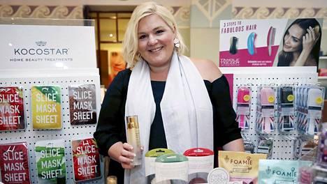 Johanna Rönkkö on rakentanut ympärilleen kosmetiikka-alan menestyksen.