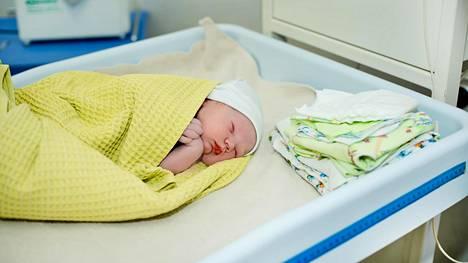 """Maria Nordinin tuorein synnytys puhuttaa – Ylilääkäri: """"Ei missään tapauksessa kotisynnytystä"""""""