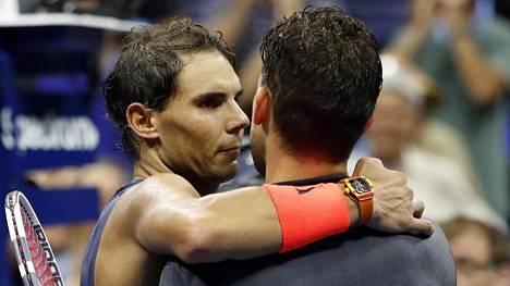 Näin tenniskentällä: Nadal pyyteli voittoaan anteeksi liki viiden tunnin väännön jälkeen