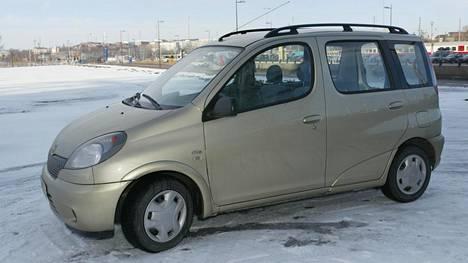 Millainen auto käy Suomessa vauhdilla kaupaksi? Jättidata paljastaa kaksi yhdistävää tekijää