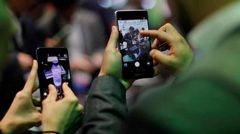 Huawei on kasvattanut älypuhelinbisnestään aggressiivisesti parin viime vuoden ajan. Se on pystynyt kehittelemään eri hintaluokkien laitteita edullisista puhelimista Applen ja Samsungin lippulaivamallien kanssa kilpaileviin tuotteisiin.