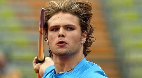 Harri Haatainen on edustanut urallaan Suomea kolmissa arvokisoissa. Kuva on vuoden 2002 Münchenin EM-kisoista, joissa hän sijoittui yhdeksänneksi.