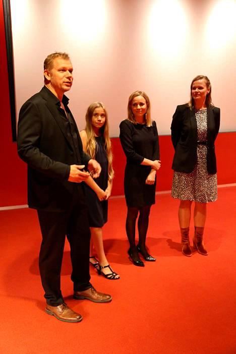 Kai Nordberg, Linnea Skog, Paula Vesala ja Selma Vilhunen.