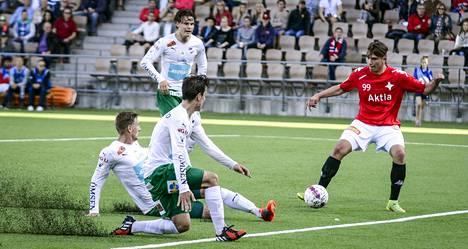 Kastriot Kastrati (oik.) teki ensimmäisen maalinsa HIFK:n kotiottelussa.