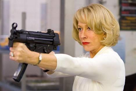 Helen Mirren on näytellyt myös toimintaelokuvissa. Tässä näyte kepeästä toimintaelokuvasta Red 2 (2013).