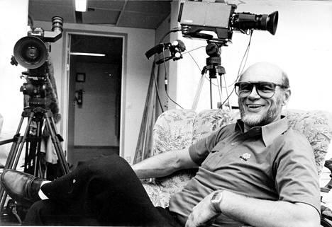 Speden kiinnostus elokuvaan tuli ilmi jo lapsena, kun hän näytteli leikeissä elokuvaohjaajaa.