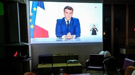 Ranskan presidentti Emmanuel Macron puhui televisiossa 24. marraskuuta 2020.