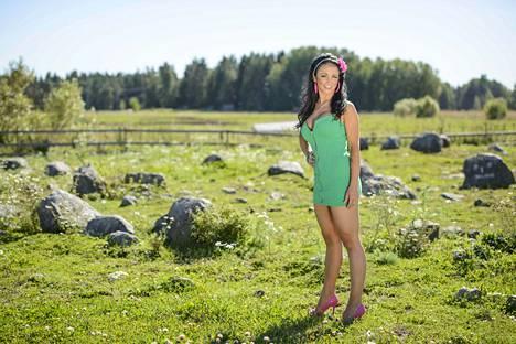 Tältä Saana Uimonen näytti ollessaan Maatilan prinsessat -tosi-tv-ohjelmassa vuonna 2013.