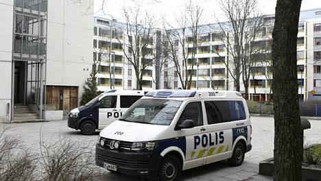 Poliisilla on käynnissä operaatio Itä-Pasilassa yksityisasunnossa.