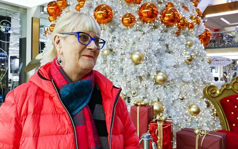 Anja kertoi IS:lle katsovansa Linnan juhlat joka kerta.