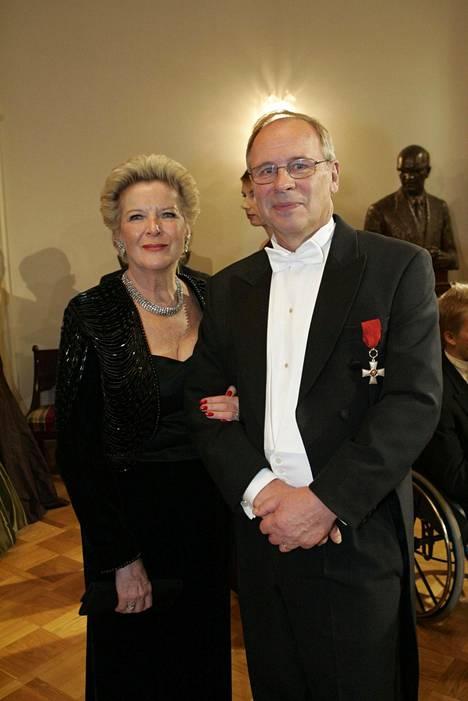 Kari ja Marjo Toivonen Linnan juhlissa 2005.