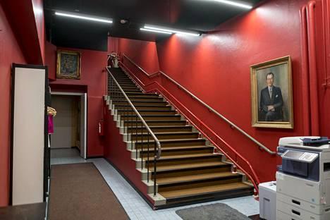Näkymä Ruusu-Ristin tilojen portaikkoon.