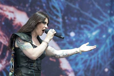Nightwish esiintyi tänä kesänä englannissa järjestetyllä Download-festivaalilla.