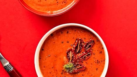 Keiton päälle voi lisätä uunissa paahdettuja minitomaatteja maukkaiksi sattumiksi.
