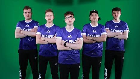 Acend-pelaajat vasemmalta oikealle: Sassi, Kopczynski, Zygmunt, Ipek & Shvets.