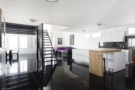 Talon pinnoissa on suosittu mustaa väriä.