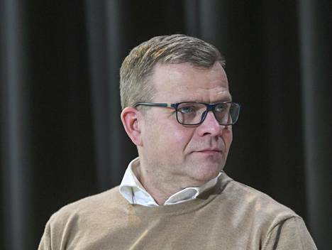 Petteri Orpo sanoo johtavansa kokoomusta niillä askelmerkeillä, mitä puoluekokous on tavoite- ja periaateohjelmissa linjannut.
