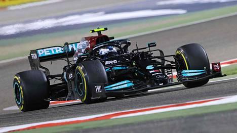 Mercedeksen Valtteri Bottas sijoittui kauden avauskisassa kolmanneksi.