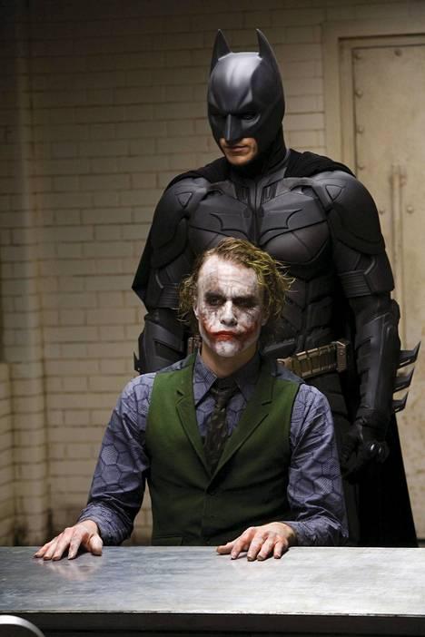 Heath Ledger esitti Jokeria Christopher Nolanin ohjaaman Batman-trilogian toisessa osassa Yön ritari (2008).