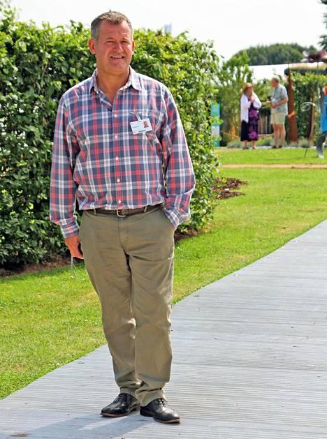 Ex-hovimestari Paul Burrell on täysin varma siitä, että prinssi Charles on prinssi Harryn isä.