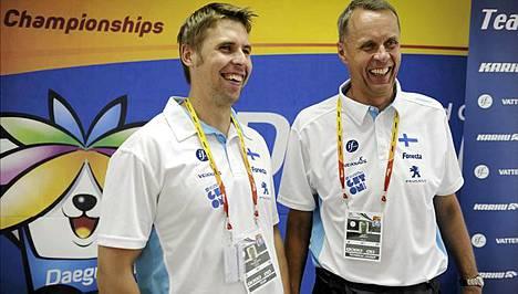 Antti Ruuskanen ja Jarmo Mäkelä hymyilivät valinakohusta huolimatta.
