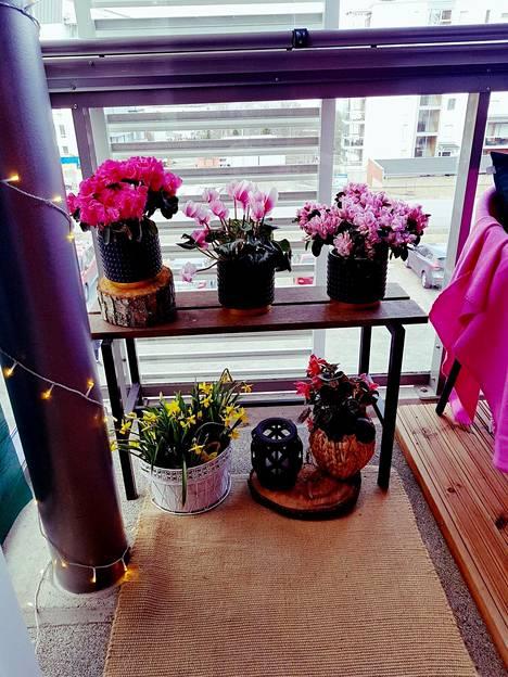 Kukat kuuluvat kesään.