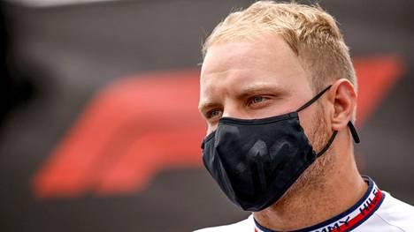 Valtteri Bottaksen täytyy vastailla F1-uransa jatkoa koskeviin kysymyksiin.