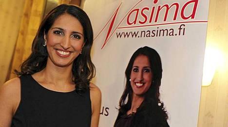 Nasima Razmyar avasi eduskuntavaalikampanjansa ystävänpäivänä. SDP:n riveissä kampanjoinut Razmyar jäi 97 äänen päähän edellisestä läpimenneestä ehdokkaasta.