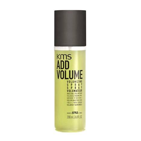 KMS Addvolume Volumizing Spray -föönaussuihke antaa hiuksille runsautta ja luonnollista kitkaa, jotta hiukset eivät lässähdä illan aikana, 28,90 €.