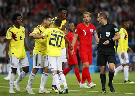 Erotuomari Mark Geiger oli ongelmissa Kolumbian ja Englannin välisessä ottelussa.