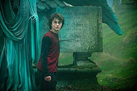 Daniel Radcliffe on Harry Potter myös elokuvasarjan kahdessa viimeisessä jaksossa.