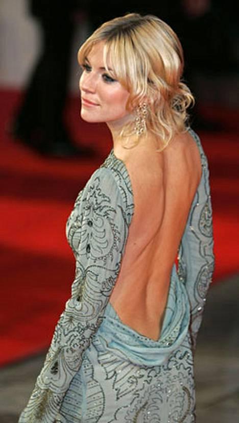 Sienna Miller tuli tunnetuksi Jude Lawn tyttöystävänä.