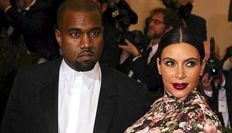 Kanye West ja Kim Kardashian saivat esikoisensa viime lauantaina.