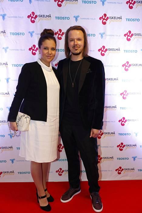 Jukka Poika ja Teija menivät naimisiin viime vuoden huhtikuussa. Parin esikoinen syntyi kesäkuussa.