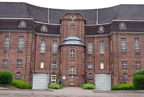 Christian B. istuu paraikaa pitkää vankilatuomiota törkeästä raiskauksesta Kiehlin vankilassa Pohjois-Saksassa.