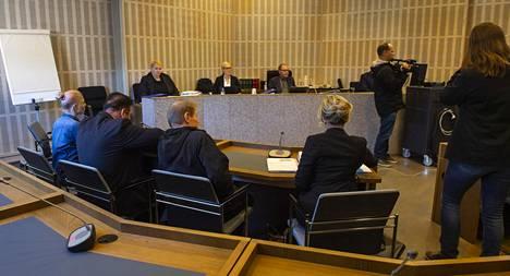 Raahen murhista syytetyn kuulustelukertomus: suunnitteli äidin surmaamista jo aiemmin – äiti vaihtoi taloon lukot