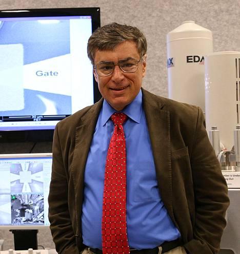 Massood Tabib-Azar, Utahin yliopiston sähkö- ja tietokonetekniikan professori.