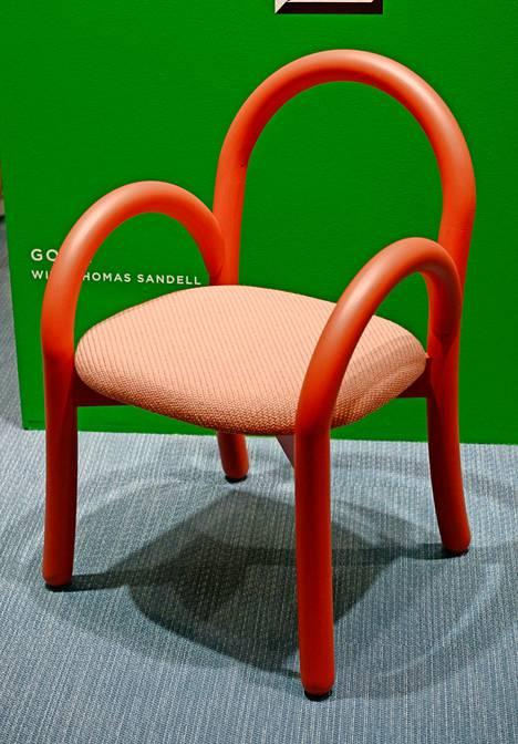 Kotimaisen Made By Choicen osasto erottautui kalusteiden rohkealla designilla ja värimaailmalla. Muotokieleltään vahvan Gomo-tuolin tuolin on suunnitellut Thomas Sandell.